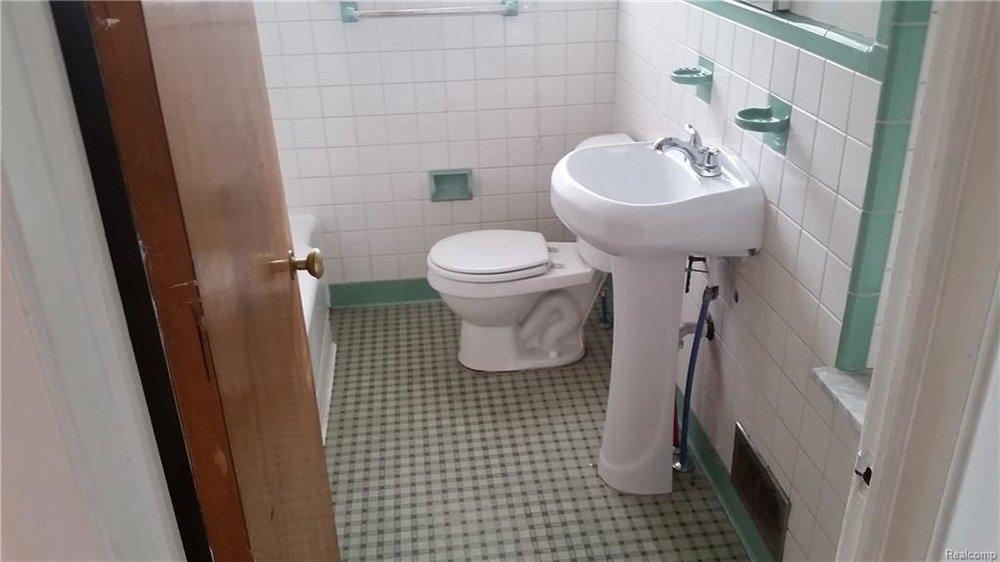 Bathroom 3.jpeg
