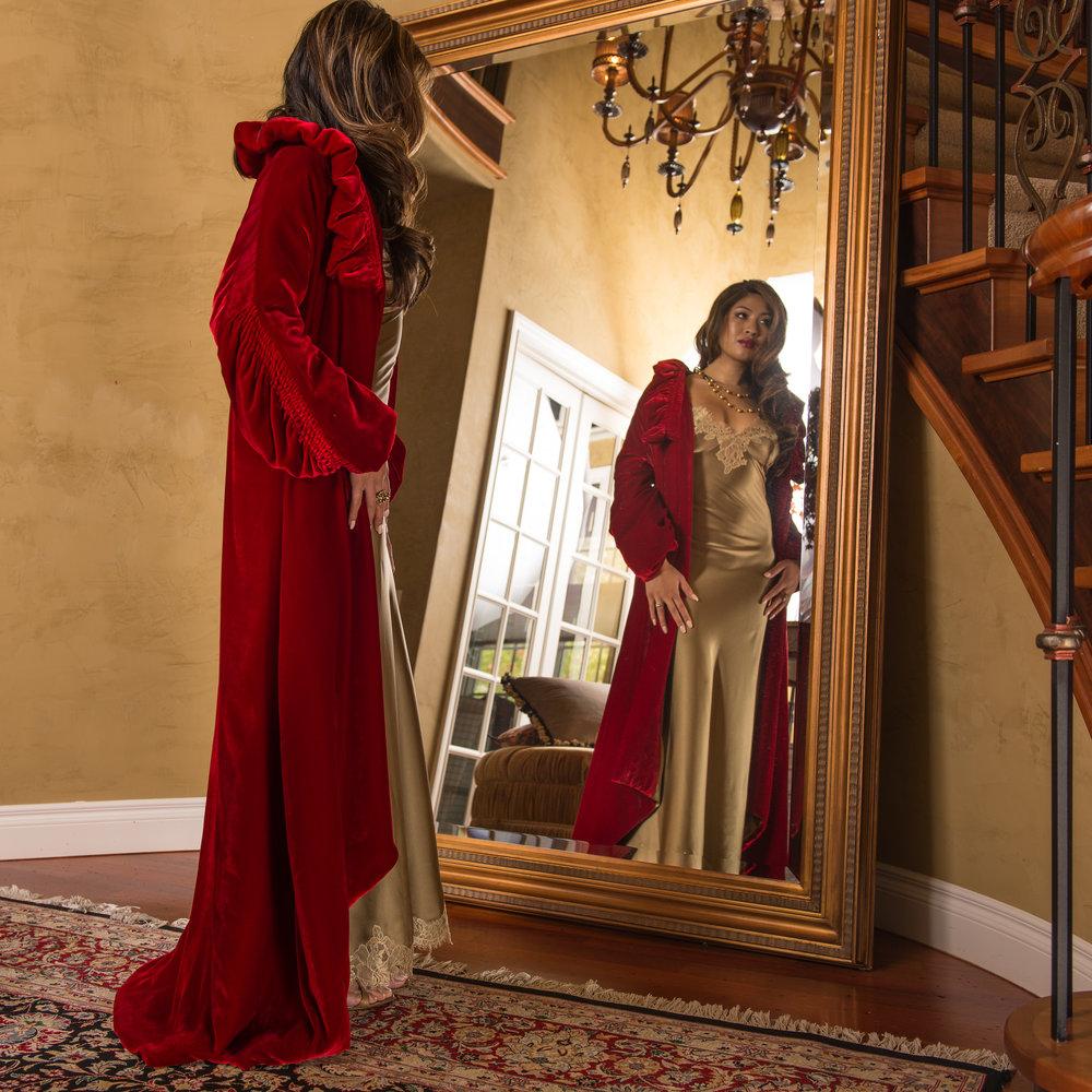 Contessa Grand Robe with Amilee Gown