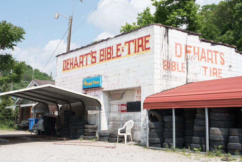 Dehart's Bible & Tire, Olive Hill, KY. 2017. Digital Image.