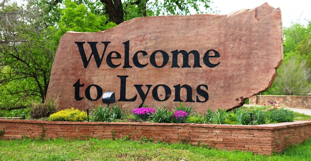 Welcome to Lyons.jpg