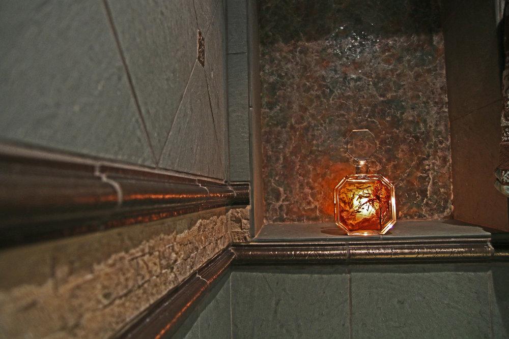 7502 Shower Mica Shelf 300d.jpg