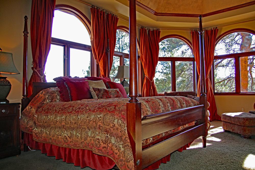 7502 Master Bed.jpg