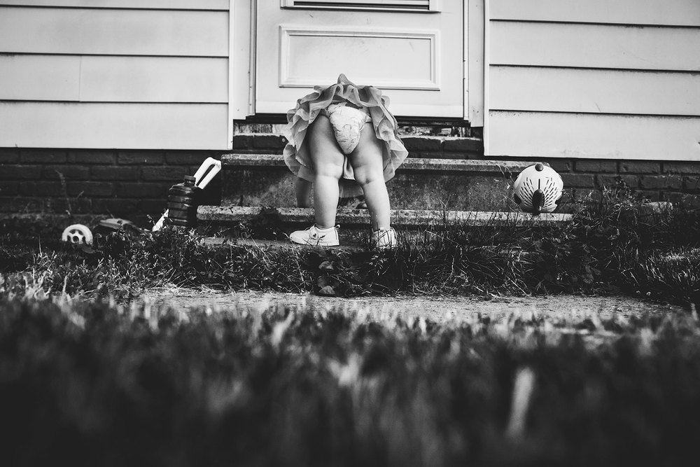 toddler-looking-through-legs-Lisa-howeler