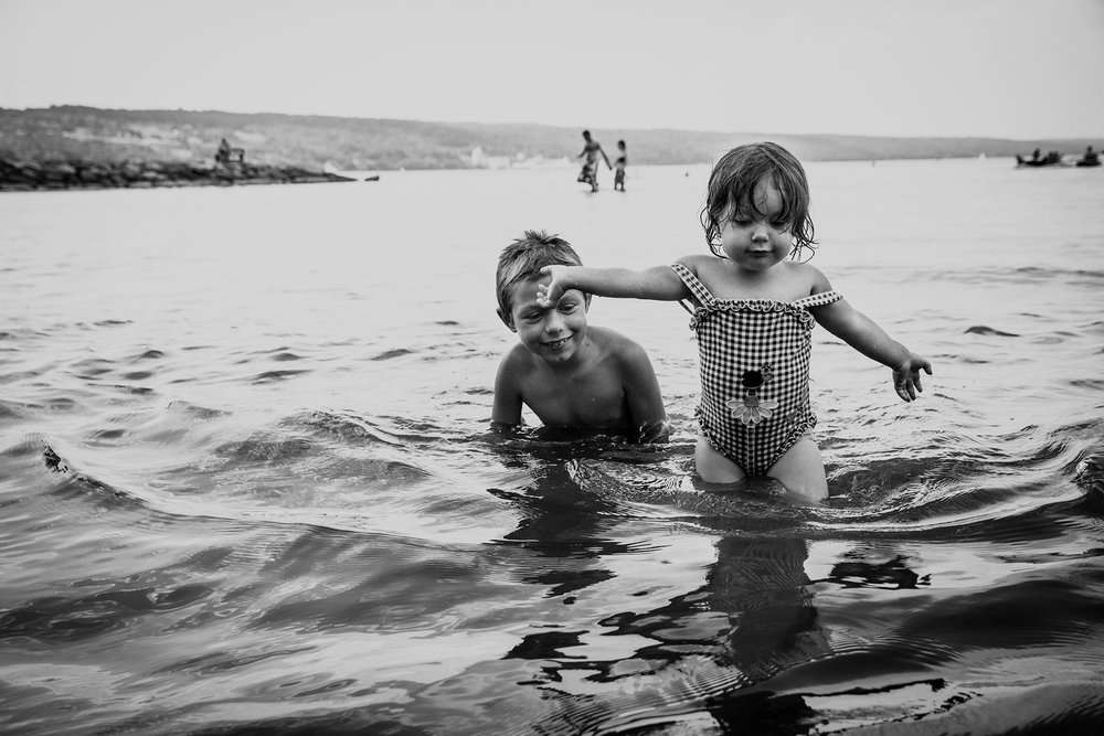 children-senecalake-lisa-howeler