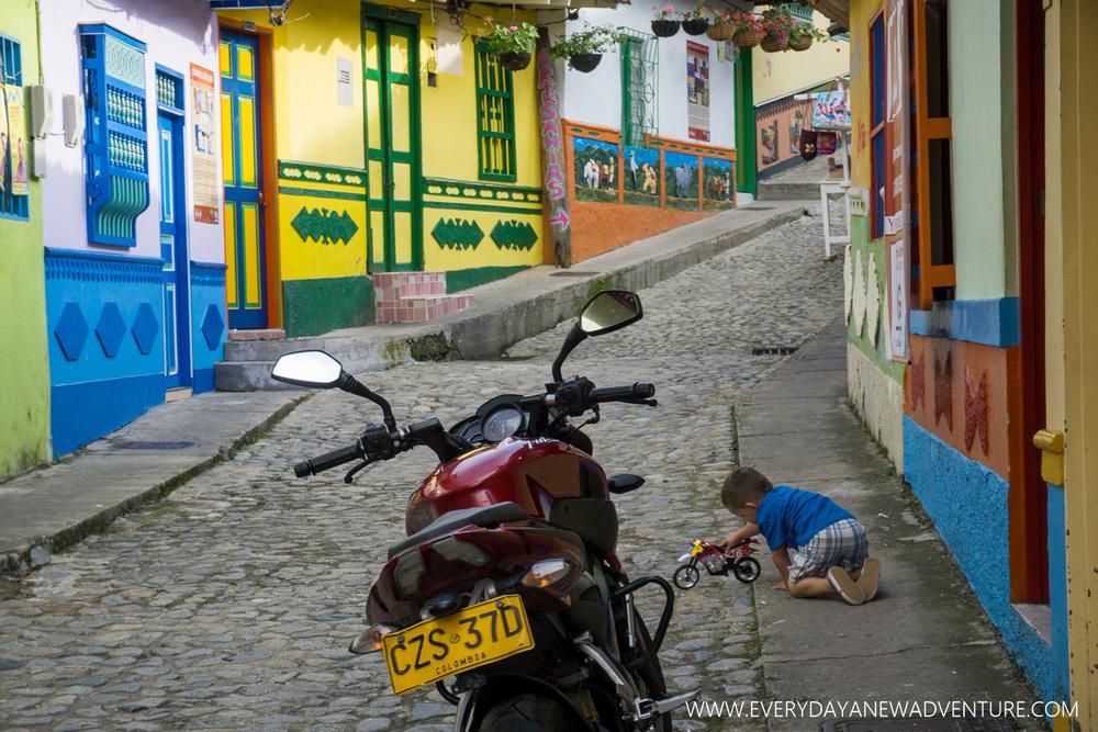 [SqSp1500-036] Medellin-04237.jpg