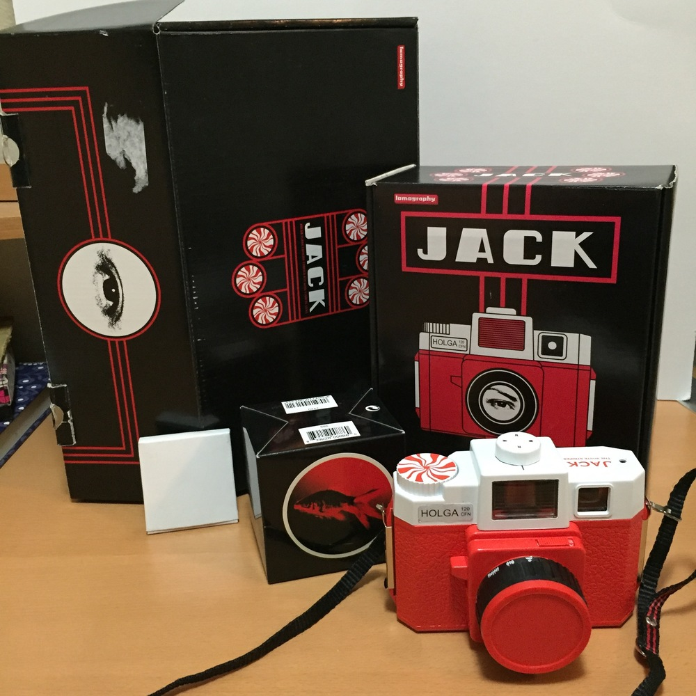 Here is my limited edition Jack White Holga lomography camera. OooooOOOooo AhhhhhHHHhhhh!
