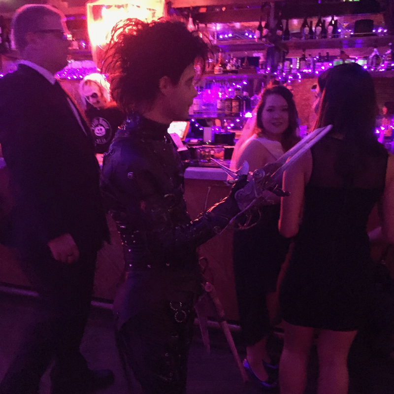 Edward Scissorhands greeting a bachelorette party.
