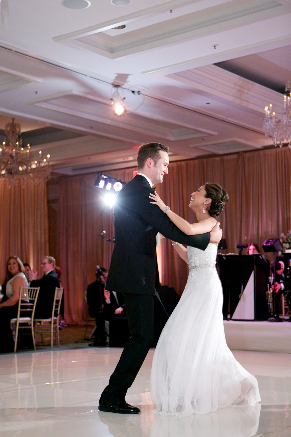 smiling-first-dance-chicago.jpg