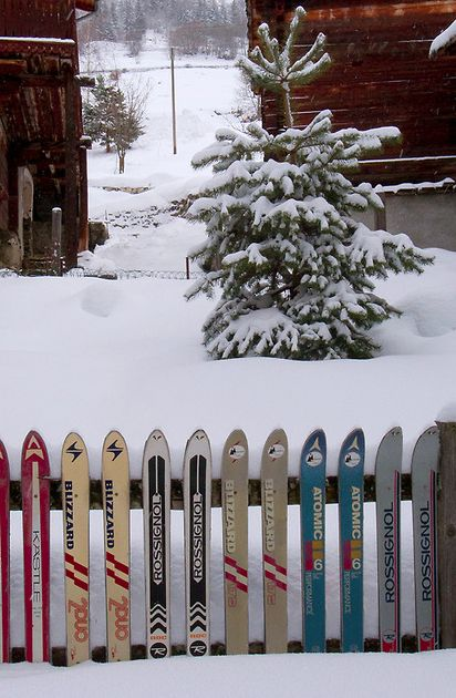 fence make from skis