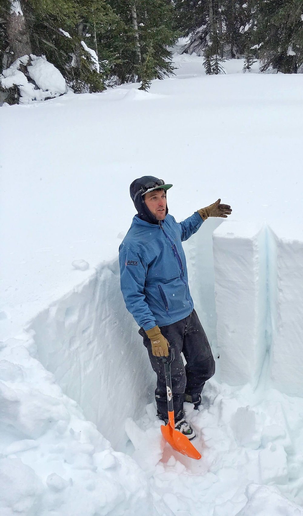 DIGGING OUT A COLUMN IN A SNOW PIT FOR SAMPLING