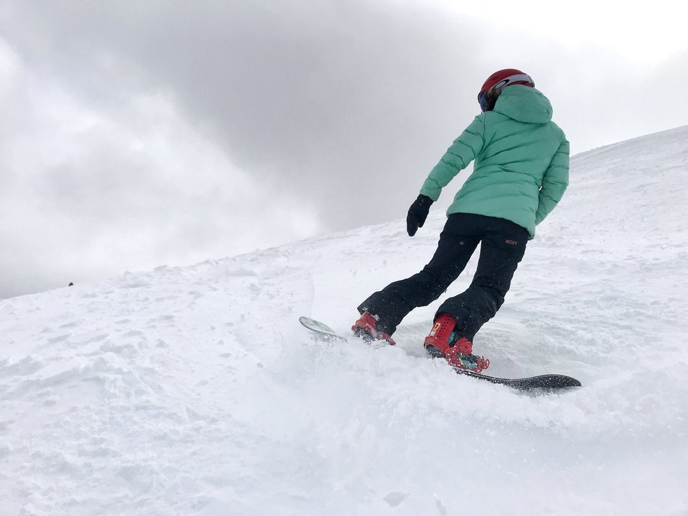 JEN MAKING THE MOST OF THE RECENT FRESH SNOW.