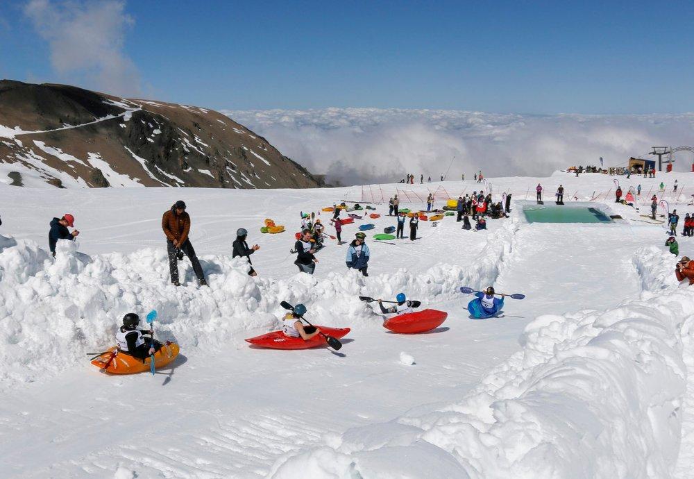 KAYAK RACING DURING SNOW PALOOZA