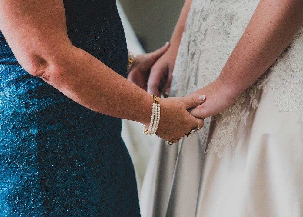 Bride & Mom LR-10.jpg