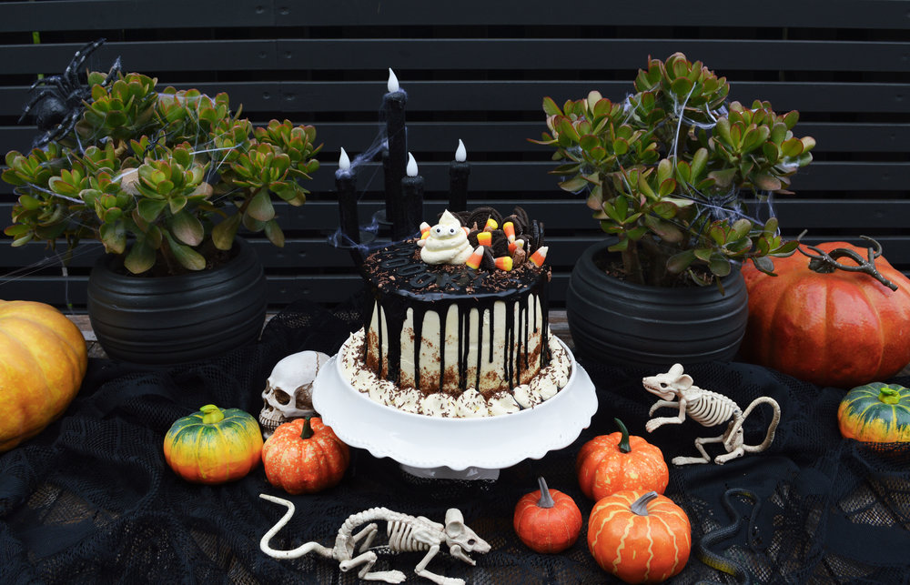 halloween cake 4.jpg