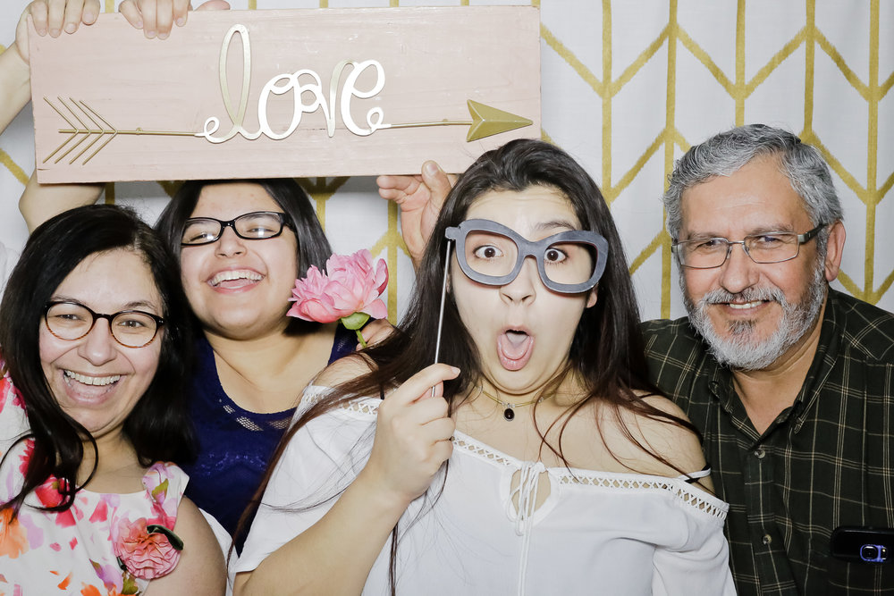jaziphotobooth_willowcreekcc-1209.jpg
