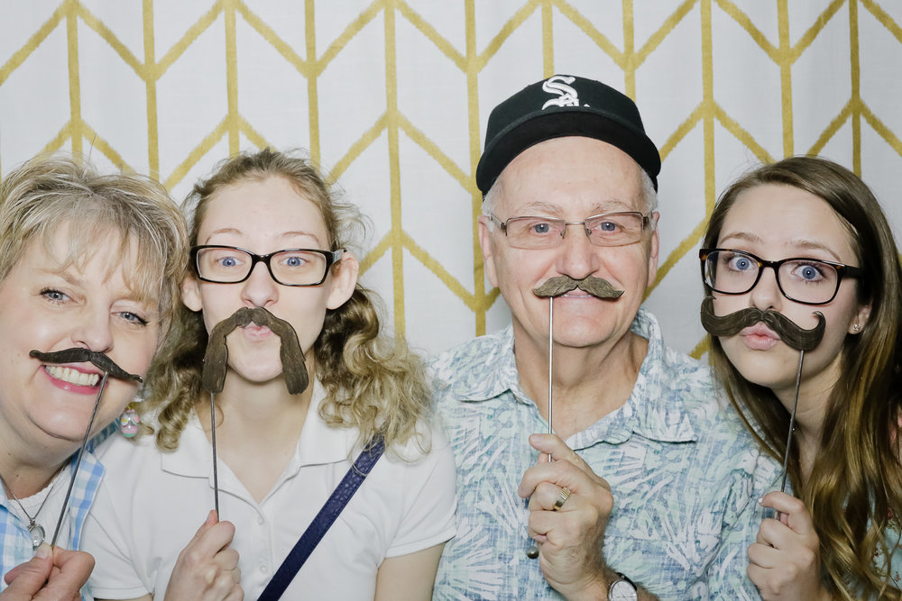 jaziphotobooth_willowcreekcc-64.jpg