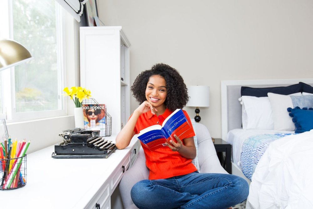 "A Smart & Stylish Bedroom for ""Black-ish"" Star Yara Shahidi"