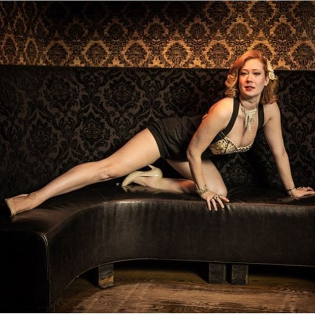 Sundays are for Burlesque! Catch the @wasabassco burlesque show today during brunch at 2:30pm or tonight at 9:30pm! #bathtubgin #bathtubginnyc #burlesque #brunch #sundaybrunch #burlesquebrunch #wasabassco #nyc #newyork #manhattan #chelseastory #hospitalitylife #bartending #mixology #coffeeandcocktails #happybirthdayboobess