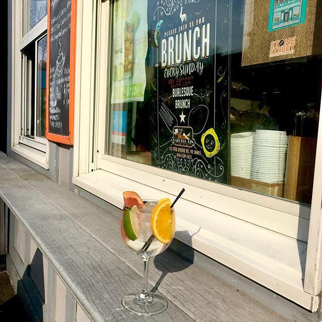 It's a beautiful day for a refreshing Gin and Tonic! ☀️👍 #bathtubgin #bathtubginnyc #ginandtonic #botanistgin #jackrudytonic #hospitalitylife #nyc #manhattan #chelseastory #newyork #coffeeandcocktails #cocktailbar #speakeasy
