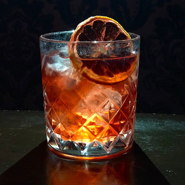 Our favorite time of the year, NEGRONI WEEK ❤️ In partnership with Negroni week a portion of the proceeds from these cocktails will be donated to The Pet Fund, a non-profit organization dedicated to funding veterinarian care to those who cannot afford it 🐾 #negroniweek2018 #bathtubgin #bathtubginnyc #newyork #negronis #thepetfund #drinkingforacause #campari #aperol #gin #averna #cynar #russelsreserve10yr #cocktails #mixology #speakeasy 📸: @cocktailsandcalories