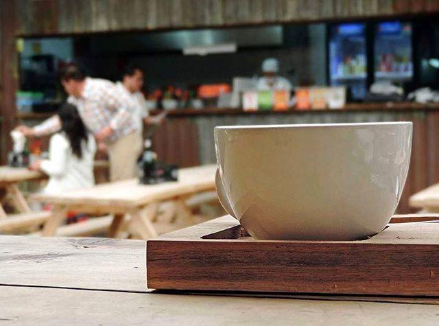 ¿Frío? ❄  #cmc #compañiamexicanadecafe #café #coffee #cafetería #coffeshop #taza #lluvia #cdmx #ciudaddemexico #mexicocity  #coffeeshot #butfirstcoffee #sociality #lucernacomedor #coffeeroasters #barista #daily