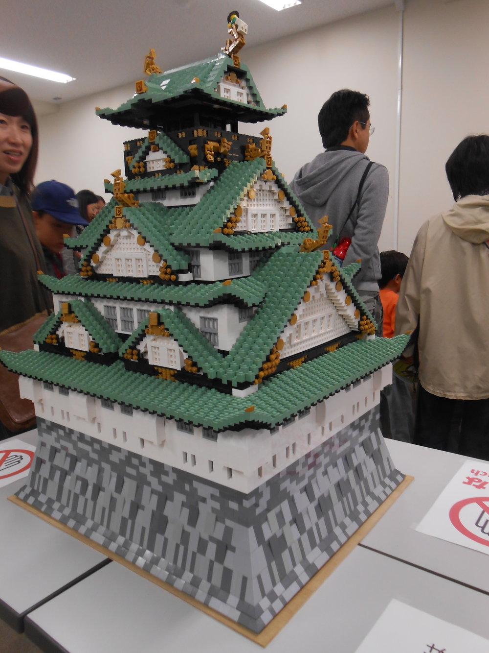 心斎橋アートスペースLoopAや大学祭にても展示