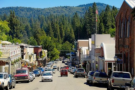downtown nevada city.jpg