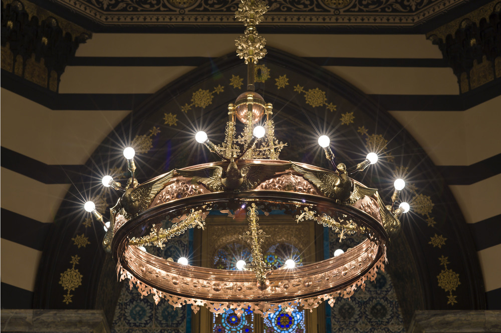 The huge central fitting in the Arab Hall was restored and lights put back into the bird's beaks where Lord Leighton had originally put them. One high dish in the fitting has concealed LED lights which make the dome glow.