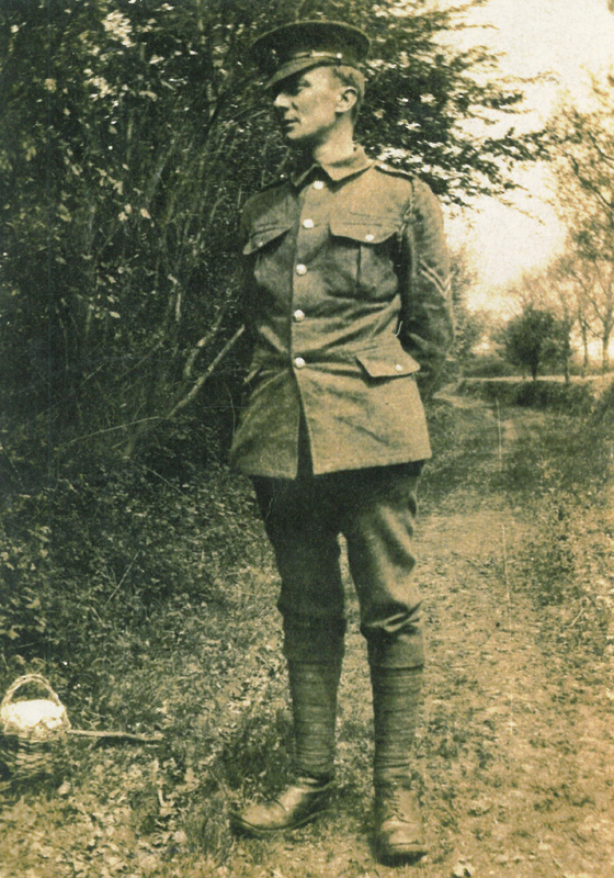 Edward Thomas in military uniform.
