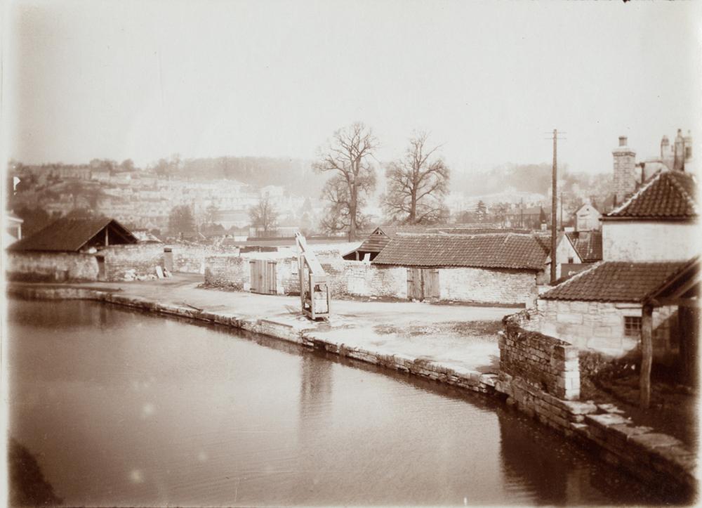 Bradford Canal, Wiltshire.jpg