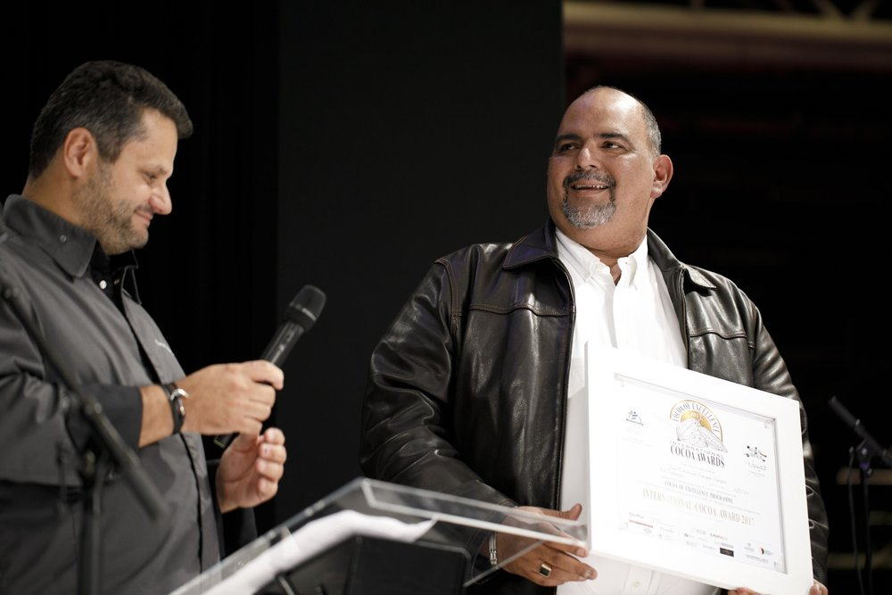 ICA Winner, Central America & Caribbean: EL SALVADOR - José Eduardo Zacapa Campos, Finca Concepcion, received the award from French Chocolatier Vincent Guerlais