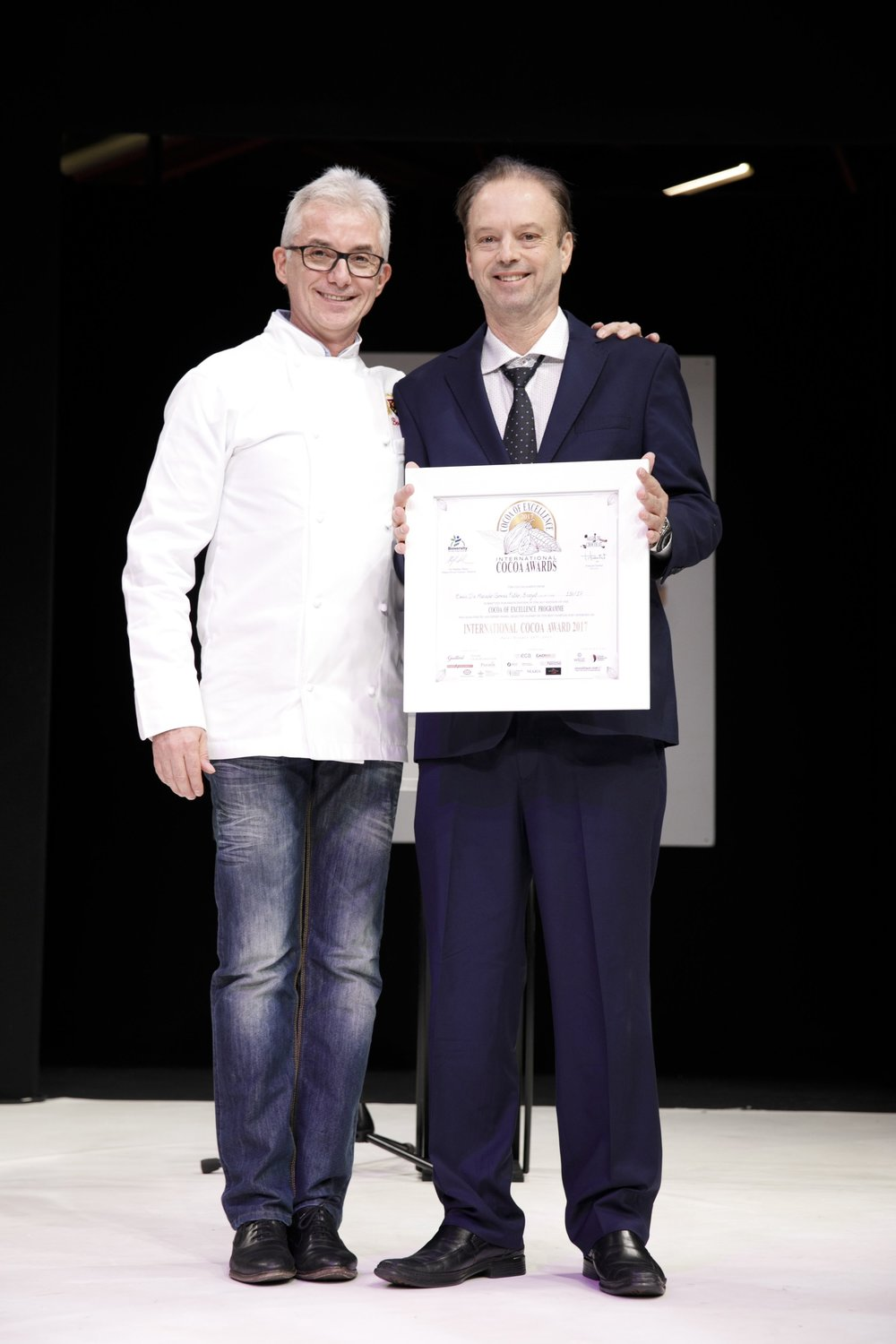 ICA Winner, South America: BRAZIL - Emir de Macedo Gomes Filho, Linhares received the Award from French Chocolatier Stephane Bonnat