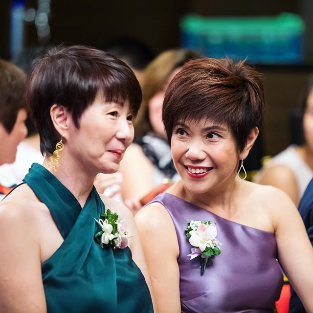 "Have you ever met any wedding couple's parents and then you went, ""What?! That's your Mom????!!"" Hands up if you have a Mom who was mistaken as your sister~ 🙋🏻‍♂️"