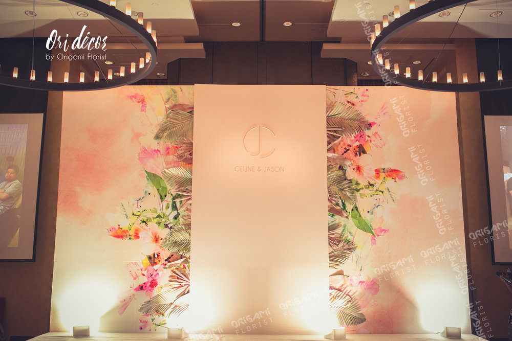 MainStage Foamboard with hand dyed tropical leafs