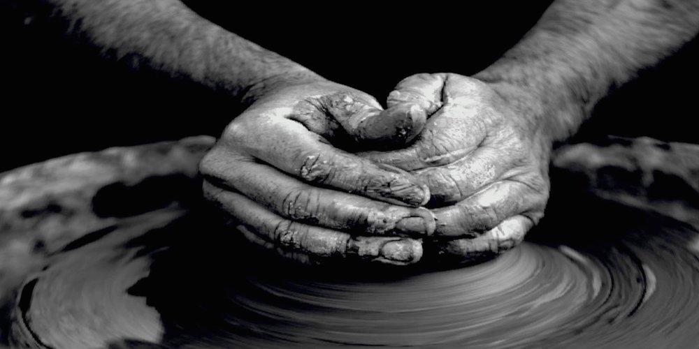 handsmouldingpottery_Fotor.jpg