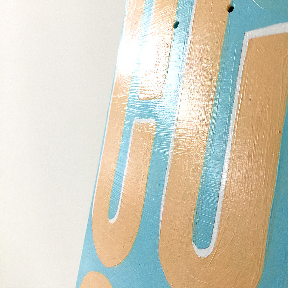 Photo 3 of Mr. Upside skateboard deck 'Tilt shift'. The art object is a custom painted skatedeck for sale by Dutch contemporary urban artist Michiel Nagtegaal / Mr. Upside.