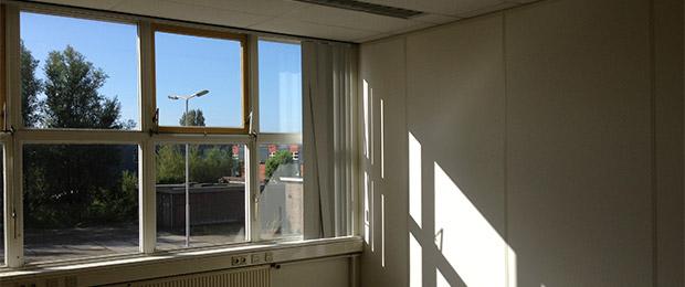 Trotse huurder van atelierruimte in Voorburg bij broedplaats De Verlichting