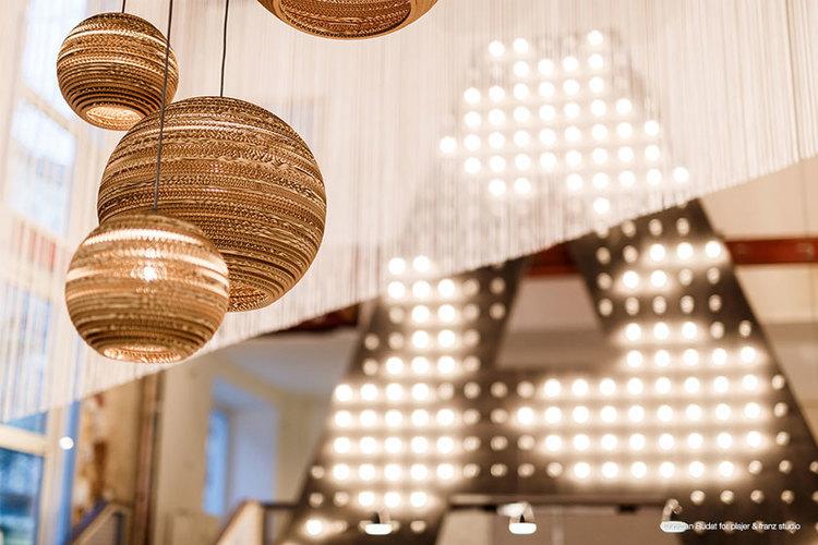 Foto 2 van 10 -Scraplights: designverlichting van karton