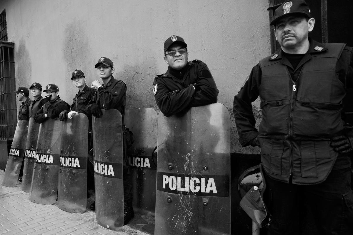 police, portraits, cops, policia, blackandwhite