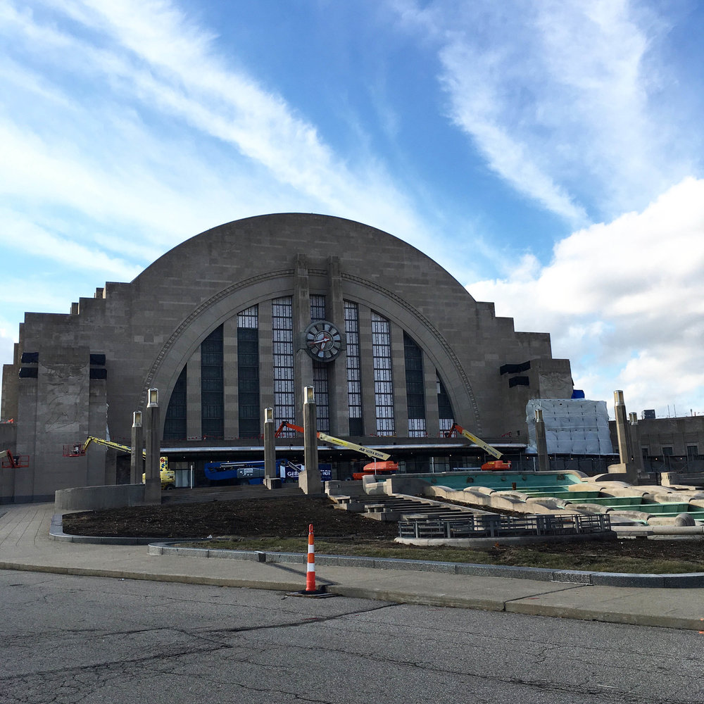 Exterior renovation work at Union Terminal.  Soon, the fountains will be taken out to repair the building below (which extends out to the oculi) before they are reconstructed.