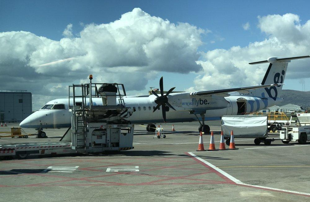 Broken Dash 8 Q400 -  Aircraft Data