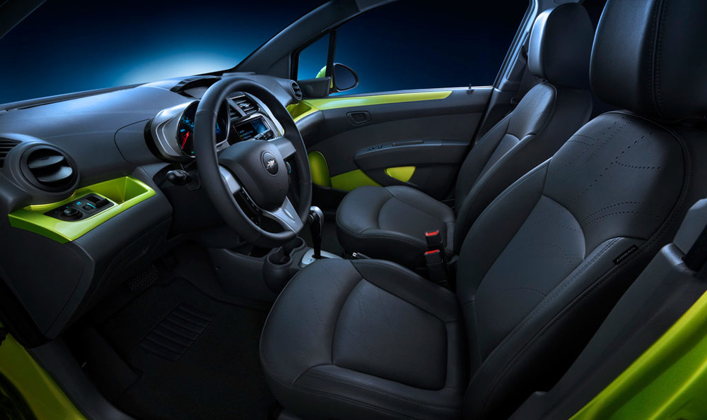 Chevrolet-Spark-Interior-Side.jpg