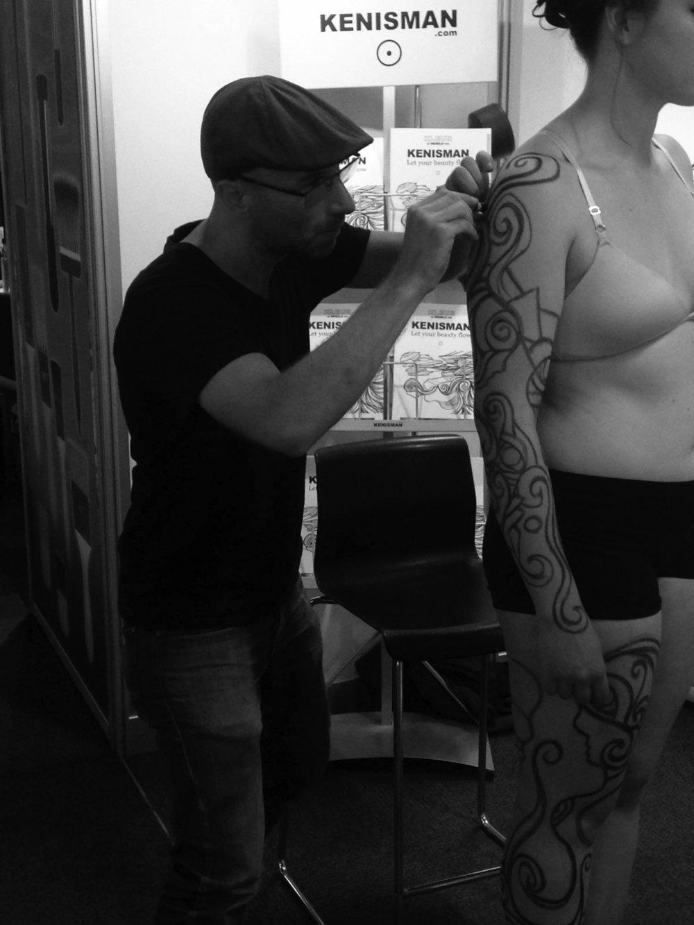 KENISMAN body painting Art & Paper Xperience Utrecht.