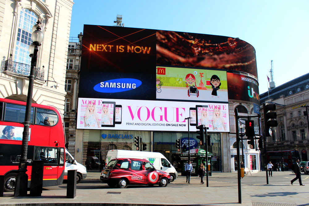 British Vogue, Piccadilly Circus