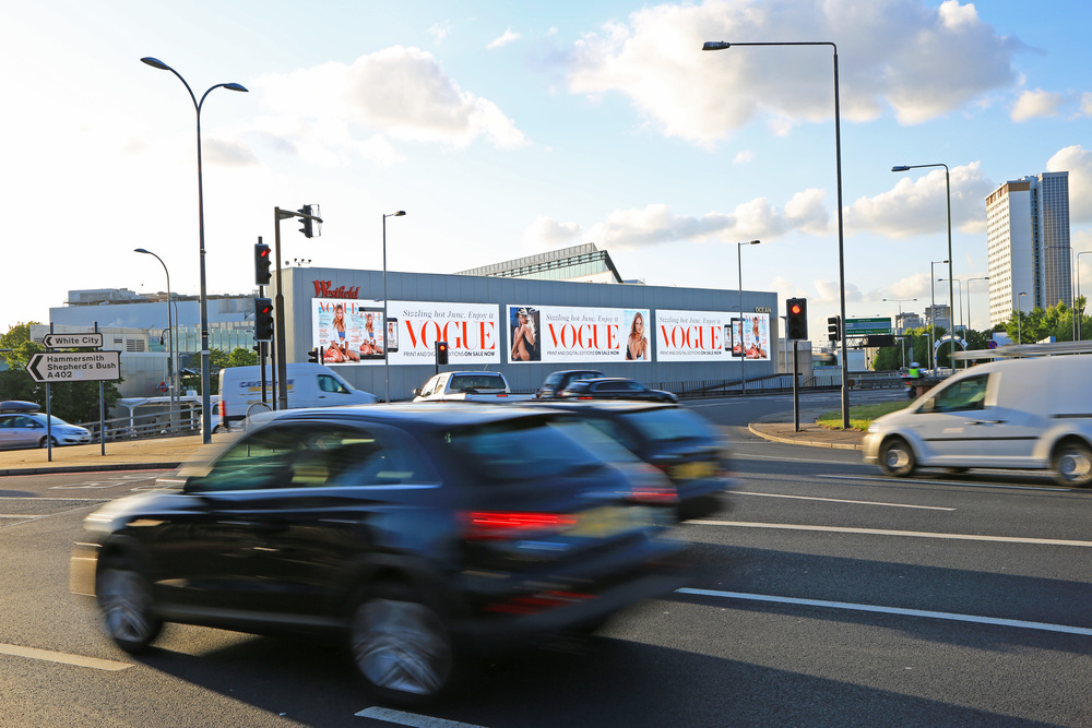 British Vogue, Holland Park Roundabout