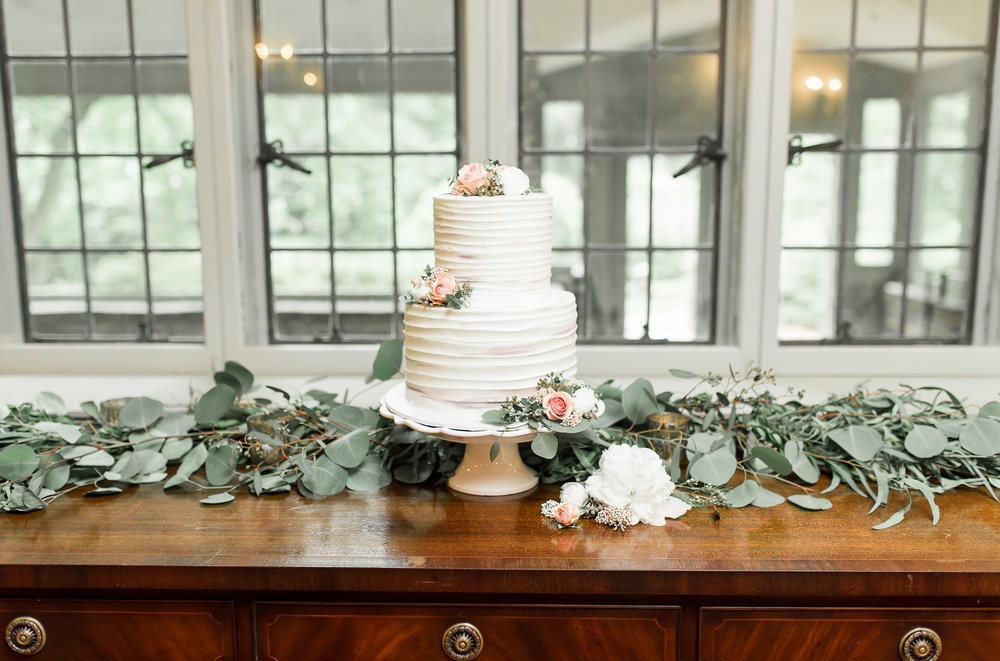 white romantic wedding cake