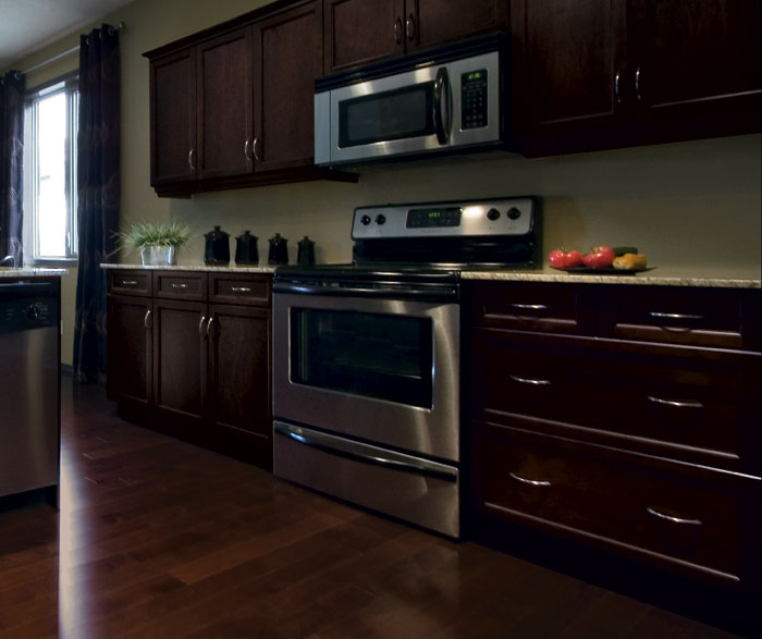 shaker_kitchen_cabinets_in_espresso_finish.jpg