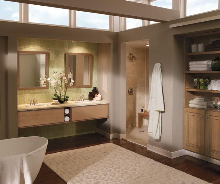 light_maple_cabinets_in_contemporary_bathroom.jpg