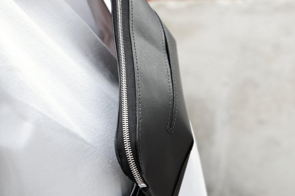 Lykke - Leather Fanny pack in black
