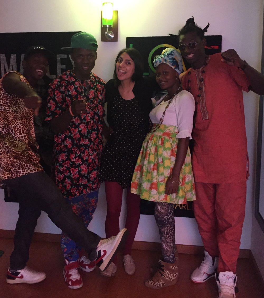 Conversamos con los vocalistas de Kombilesa Mi: Alí Navarro (Mc PM), José Valdéz (Mc Ukibe, Keila Miranda (KRMP) y Andris Padilla Julio (Afro Neto).
